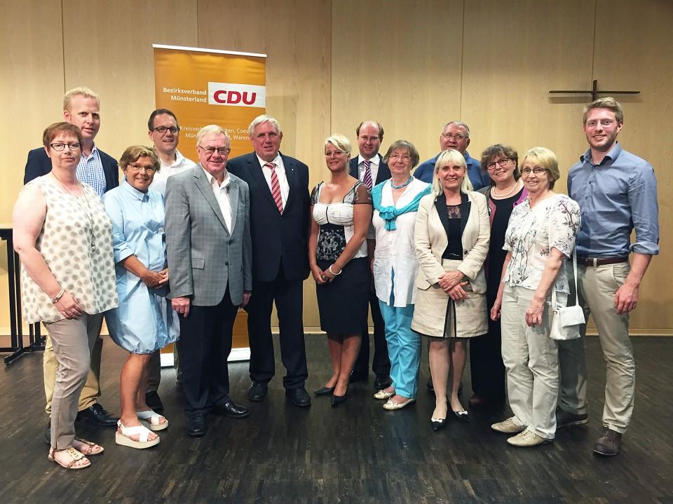 Delegierte des CDU Kreisverbands mit Karl-Josef Laumann