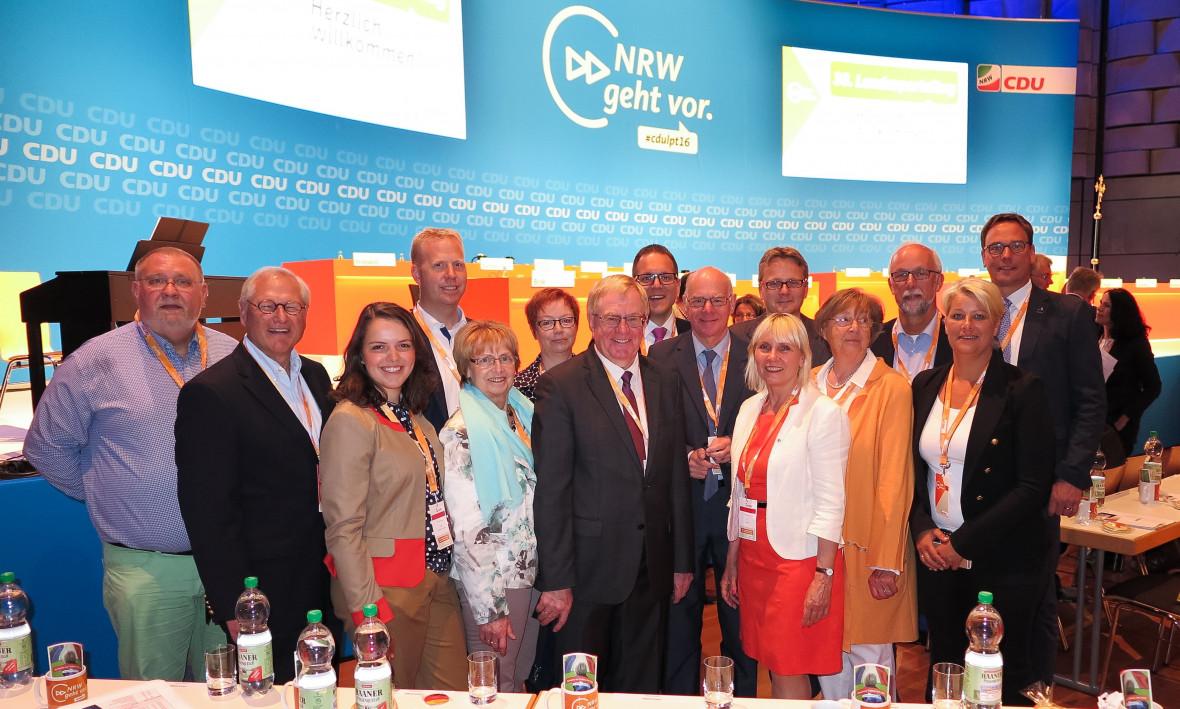 Delegierte des CDU Kreisverbands mit Bundestagspräsident Norbert Lammert
